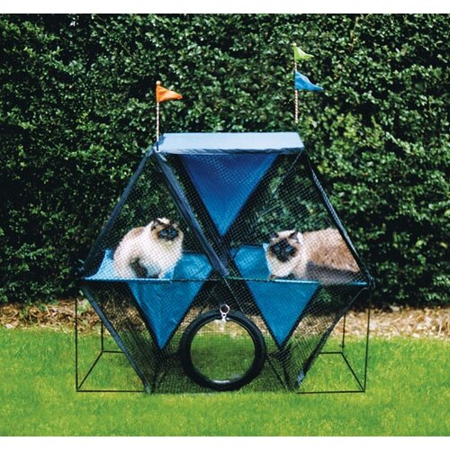 The Ferris Wheel™ Outdoor Pet Enclosure