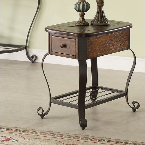 Riverside Furniture Eastview Chairside Table