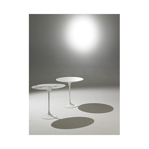 Knoll ® Saarinen Round Side Table