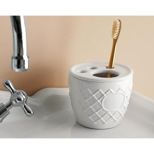 Toscanaluce by Nameeks Queen Free Standing Toothbrush Holder