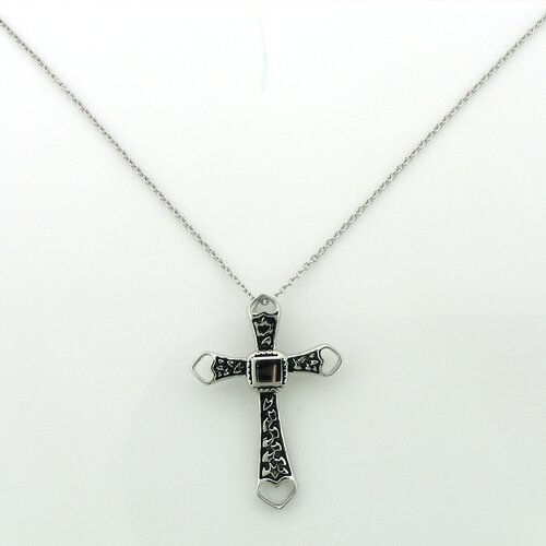 Splendor Jewelry Sterling Silver Heart Tipped Textured Cross Necklace