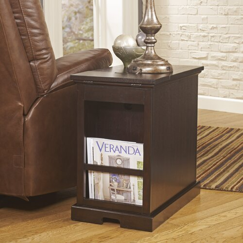 Signature Design by Ashley Groton Chairside Table