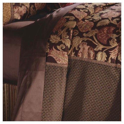 Hayworth Button-Tufted Comforter