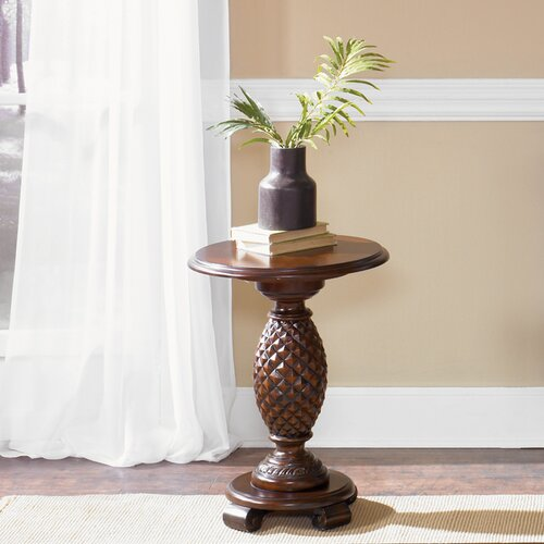 Royal Landing Chairside Table
