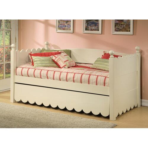 Scallop Daybed with Pop Up Trundle