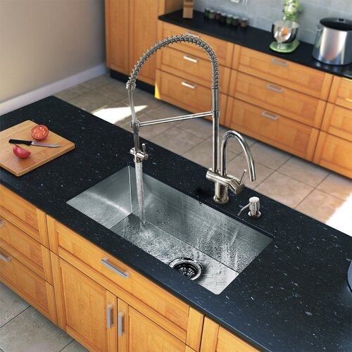 """Vigo All in One 32"""" x 19"""" Undermount Kitchen Sink and 18"""" Faucet Set"""