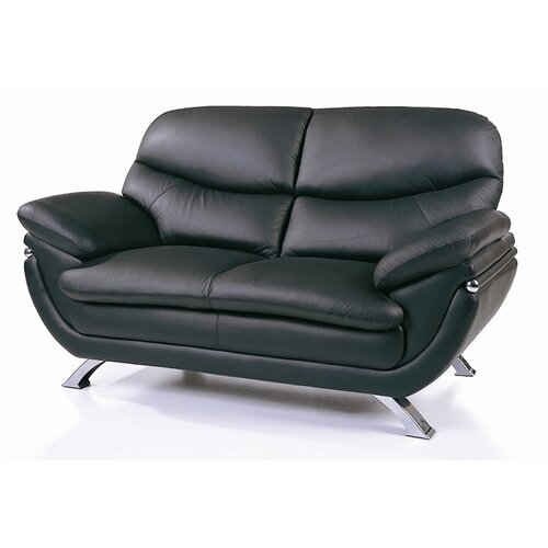 Beverly Hills Furniture Jonus Leather Loveseat