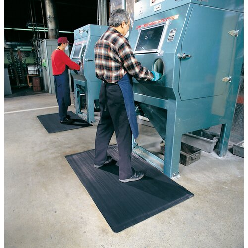 """Superior Manufacturing 3' X 12' Black 1/2"""" Thick Ergo Mat™ Dry Area Anti-Fatigue Mat With Beveled Edges"""