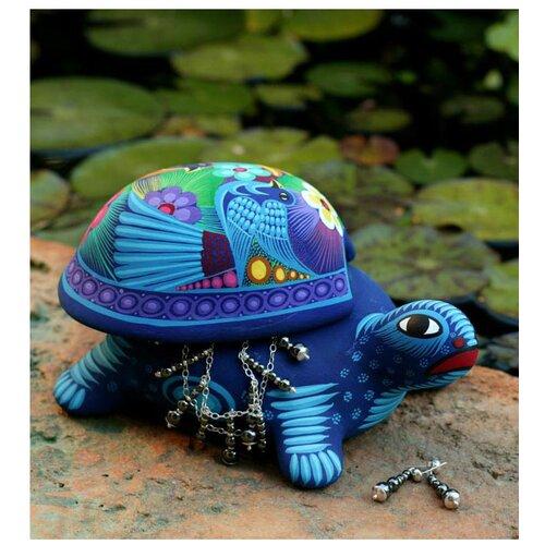 Novica Honored Turtle Box