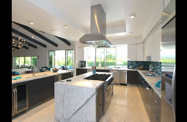 Modern Kitchen photo by PS Luxury Rentals