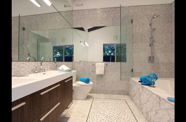 Modern Bathroom photo by PS Luxury Rentals