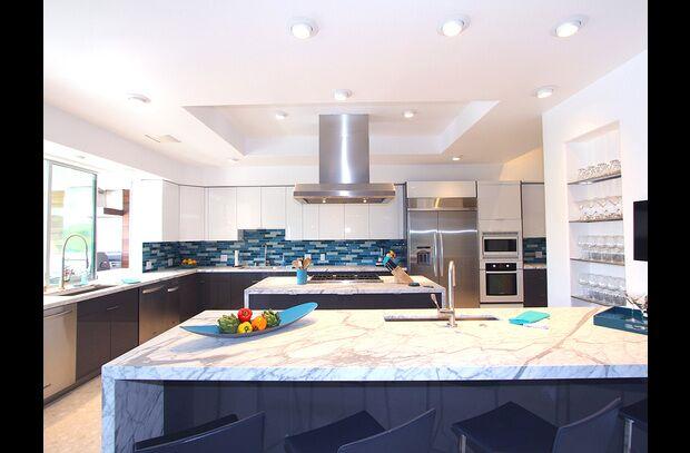 Modern Kitchen photo by PS Luxury Rentals