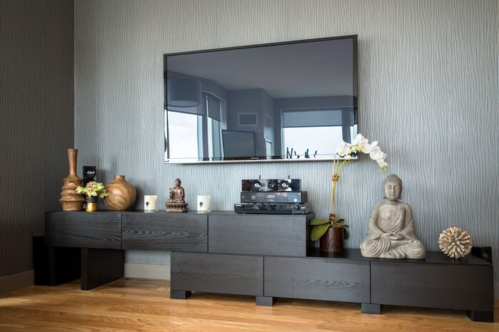 Modern Living Room photo by Tahar Decor