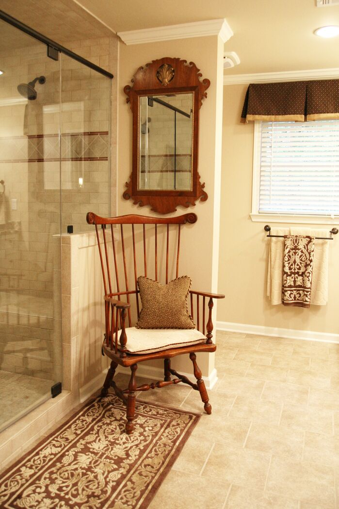 Traditional Bathroom photo by Robinson Interiors