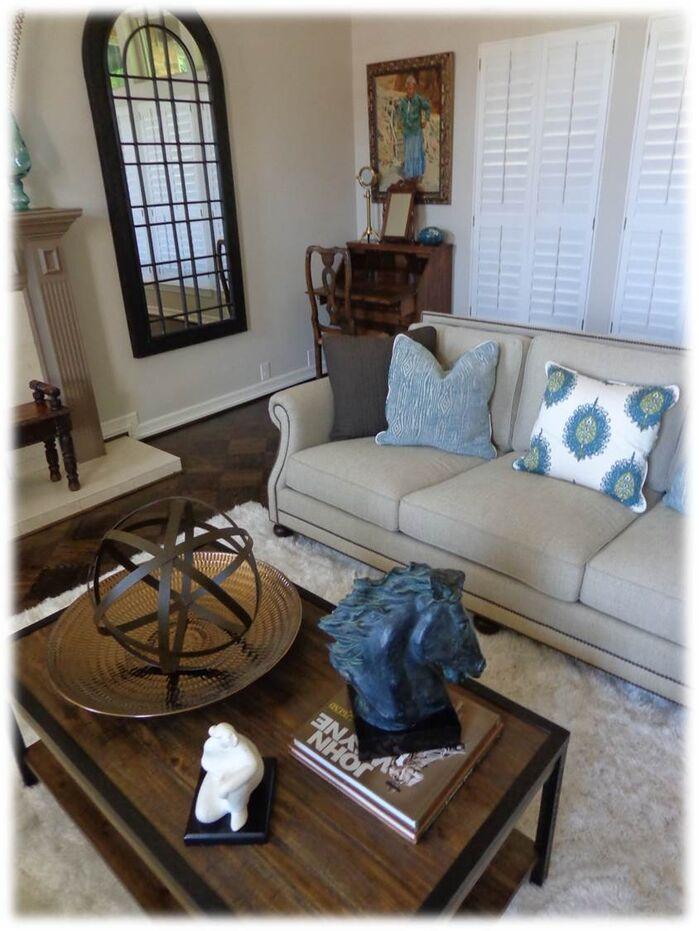 Contemporary Living Room photo by DecRenew Interiors