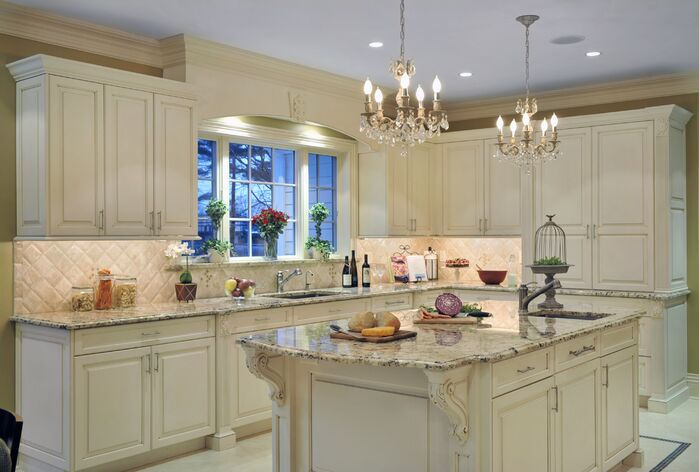 Traditional Kitchen photo by Ellen Baker Interiors