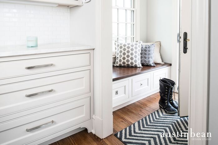 Traditional Laundry/Mud Room photo by Austin Bean Design Studio