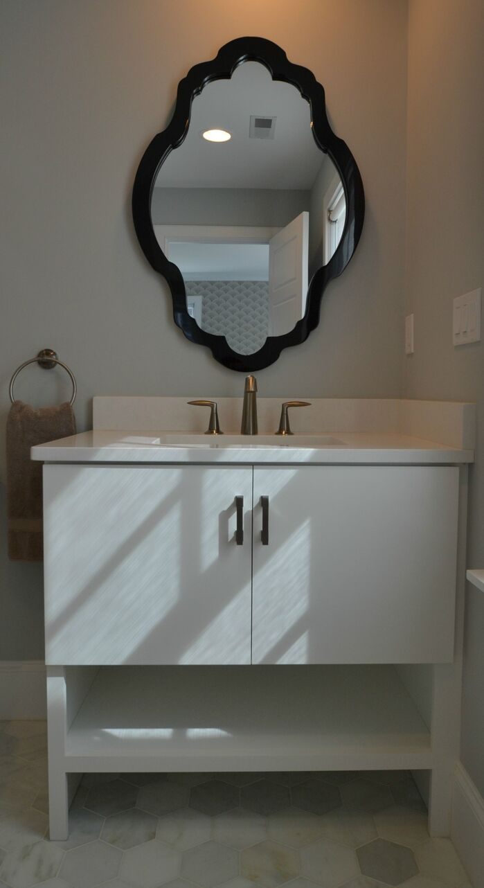 Contemporary Bathroom photo by colorTHEORY Boston
