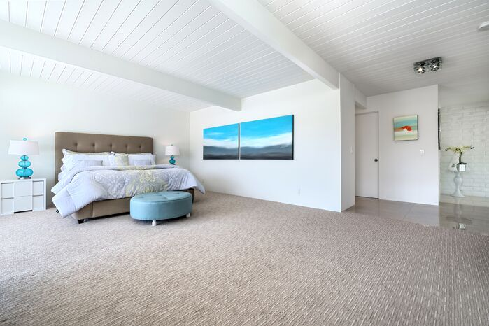 Contemporary Bedroom photo by H3K Design