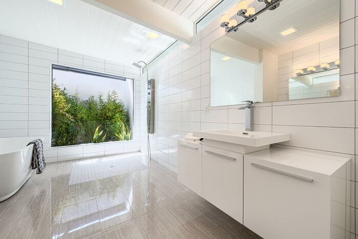 Modern Bathroom photo by H3K Design