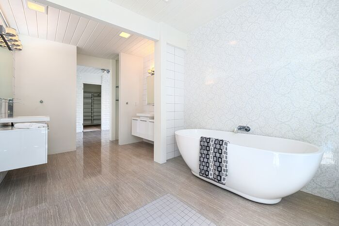 Modern Bathroom photo by H3K Design