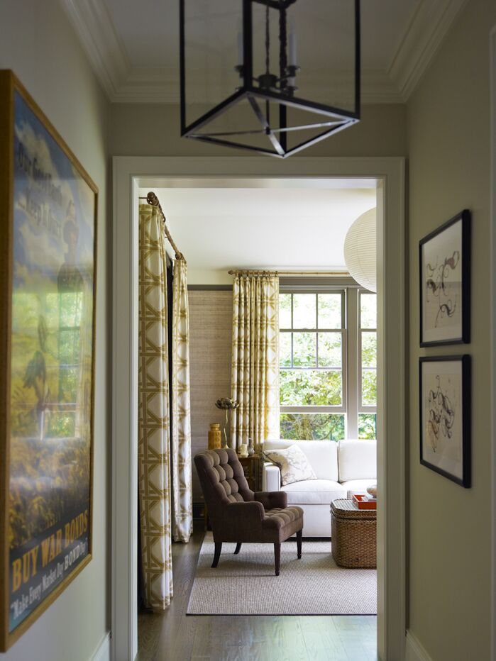 Contemporary Entryway and Hallway photo by Mendelson Group