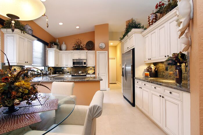 Traditional Kitchen photo by HK Interiors