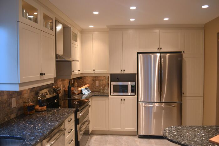 Contemporary Kitchen photo by Lisa Goulet Design