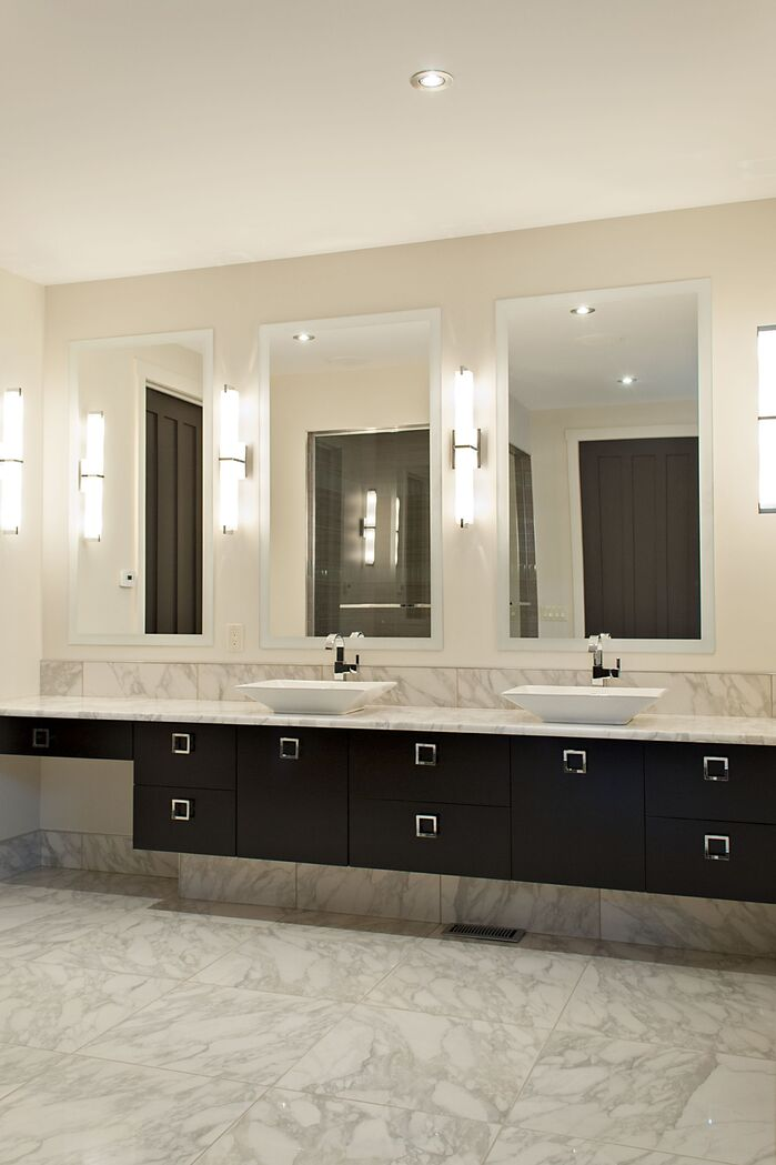 Contemporary Bathroom photo by AMR Design