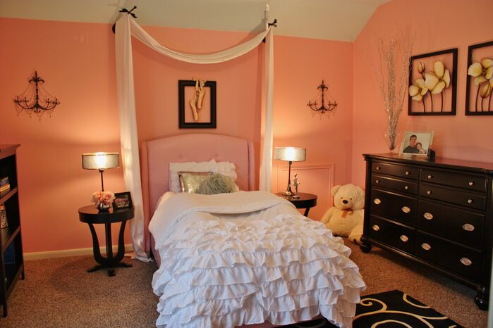 Glam Bedroom photo by Adentro Designs