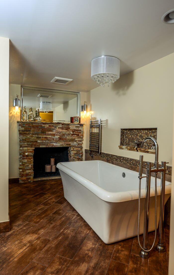 Contemporary Bathroom photo by Robin Hiken Interiors