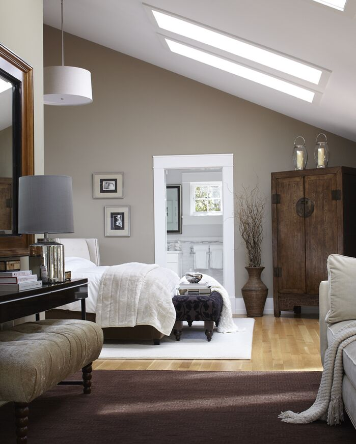 Bedroom photo by Urrutia Design