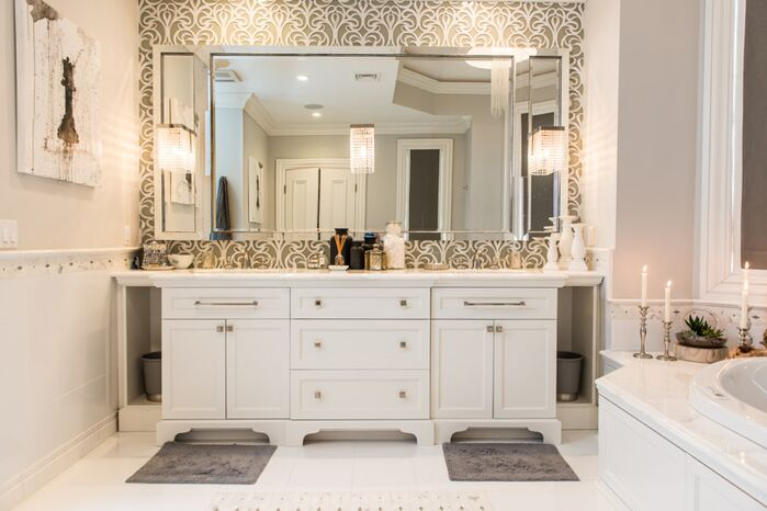 Glam Bathroom photo by Vanessa Deleon Associates