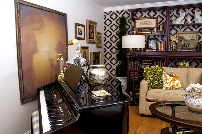 Eclectic Living Room photo by 2 Gays & A Design