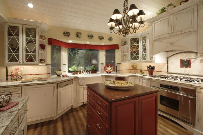 Traditional Kitchen photo by Beth Whitlinger Interior Design
