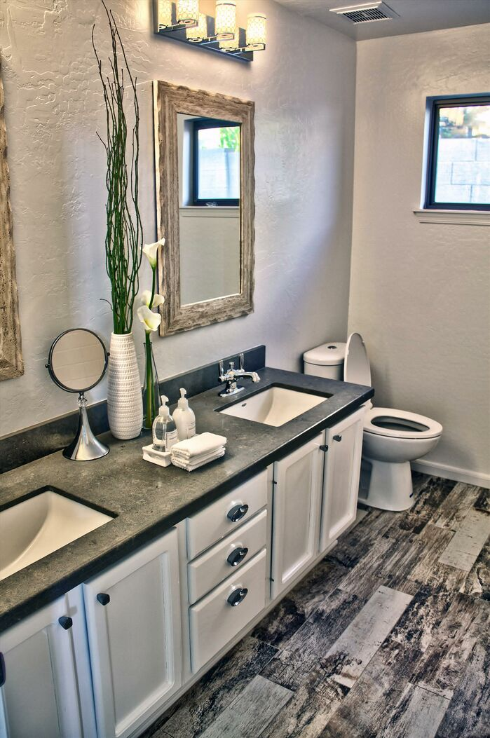 Contemporary Bathroom photo by Daystar Design Lab