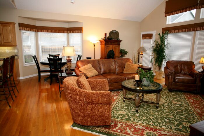 Traditional Living Room photo by Carma for Design