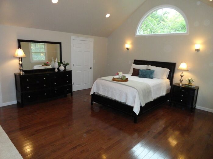 Traditional Bedroom photo by Arranged to Sell