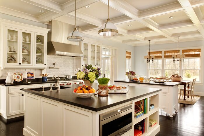 Traditional Kitchen photo by Garrison Hullinger Interior Design