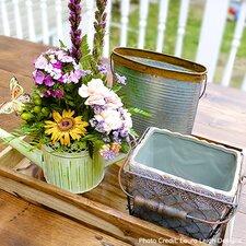 Cottage-Chic Garden Decor