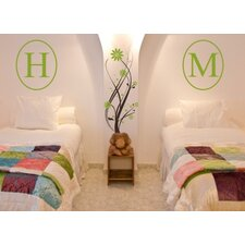 Single Oval Vertical Monogram Wall Decal