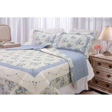 <strong>Textiles Plus Inc.</strong> Trellis Quilt Set