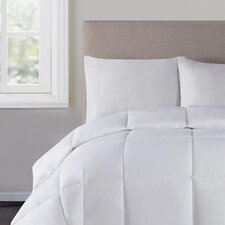 <strong>Victoria Classics</strong> Down Alternative Comforter