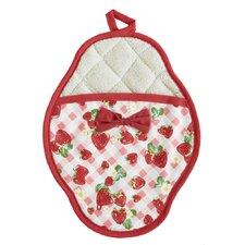 Strawberry Gingham Scalloped Pot Mitt