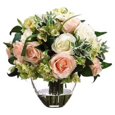 Rose / Hydrangea in Glass Vase