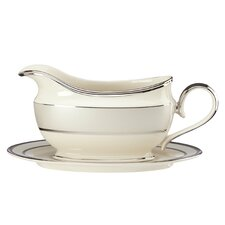 Ivory Frost 16 oz. Gravy Boat with Tray
