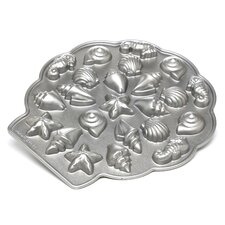 <strong>Nordicware</strong> Sea Shell Teacakes Pan