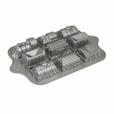 <strong>Nordicware</strong> Train Cake Pan