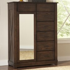 <strong>Riverside Furniture</strong> Windridge 7 Drawer Chest