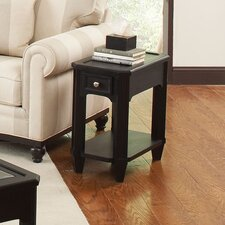 <strong>Riverside Furniture</strong> Farrington Chairside Table